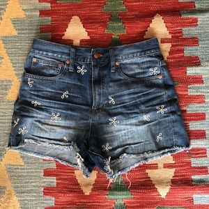 c9062a8fc899 Madewell Shorts - Madewell Perfect Jean Short - Daisy Embroidered